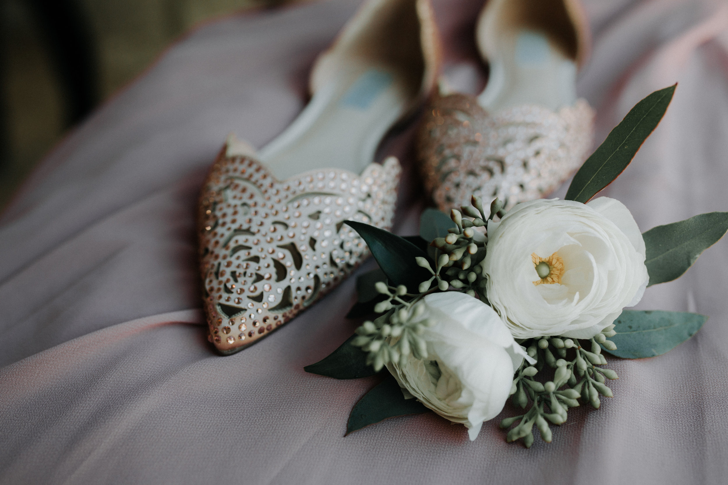 Gorgeous Bridal Flats - Dara's Garden Knoxville East Tennessee Wedding — The Overwhelmed Bride Wedding Blog