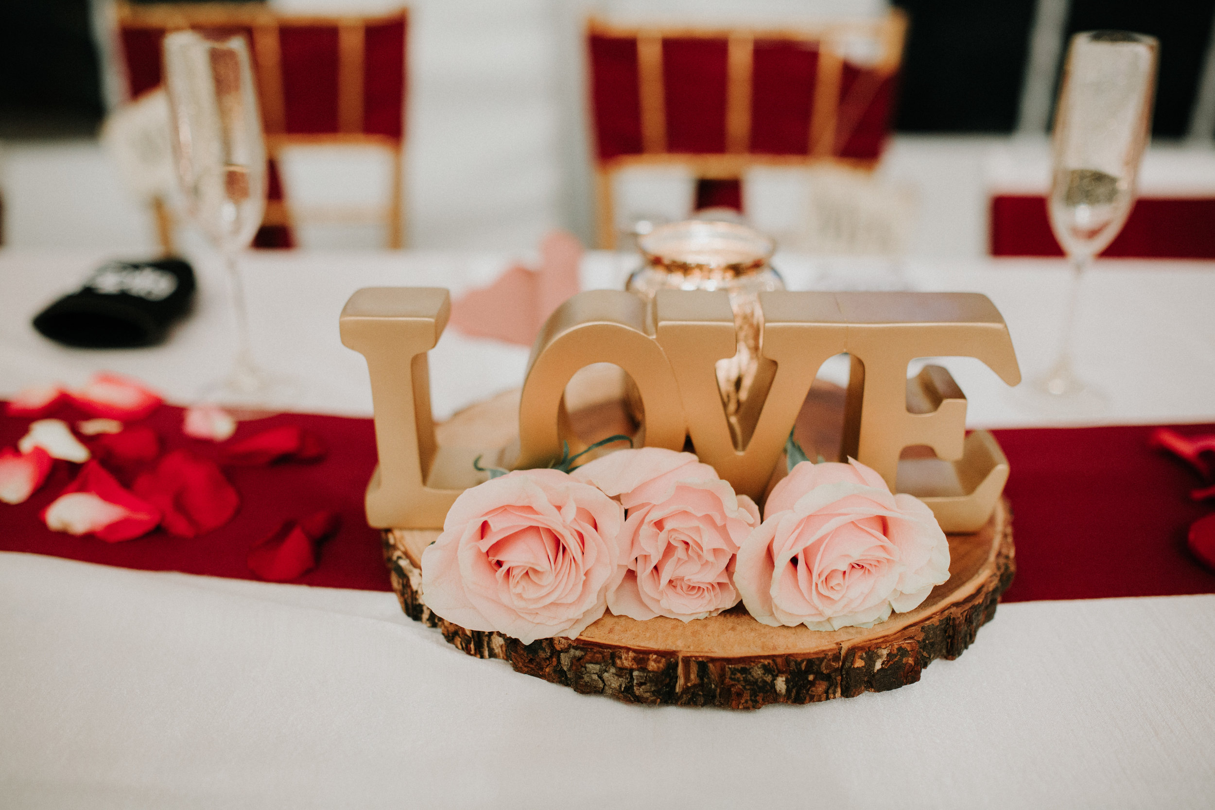 Gorgeous Simple Wedding Centerpieces - Dara's Garden Knoxville East Tennessee Wedding — The Overwhelmed Bride Wedding Blog