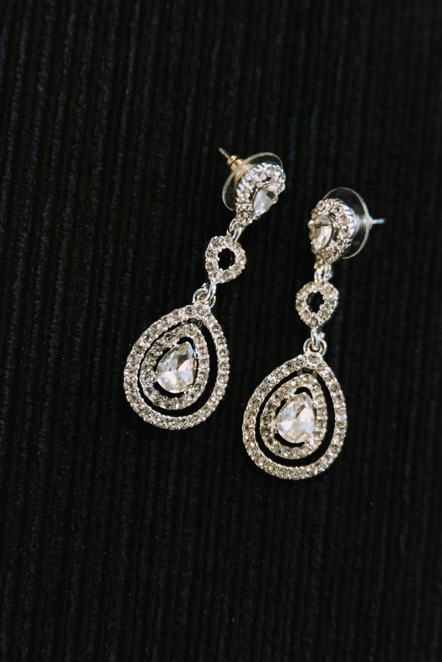 Tear Drop Bridal Earrings - Classic Indianapolis Wedding - Canal 337 Wedding - The Overwhelmed Bride Wedding Blog