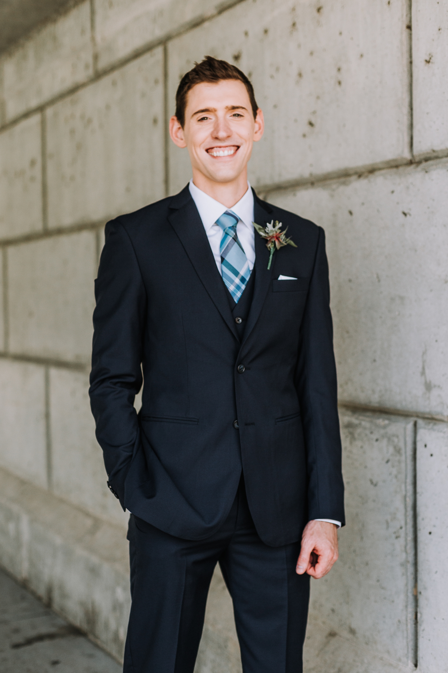 Gorgeous Wedding Photos - Classic Indianapolis Wedding - Canal 337 Wedding - The Overwhelmed Bride Wedding Blog