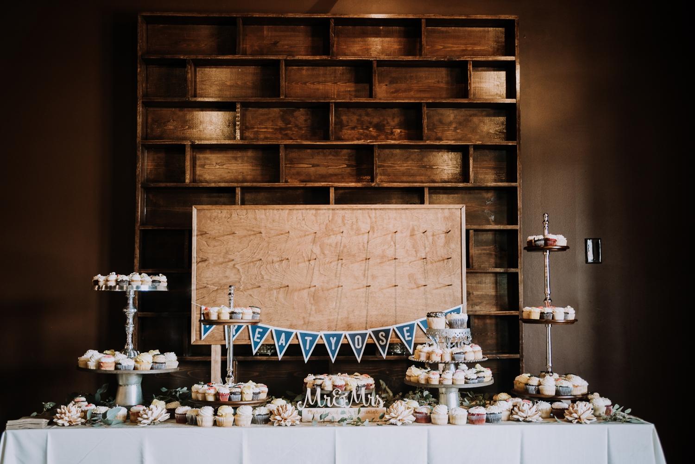 Classic Indianapolis Wedding - Canal 337 Wedding - The Overwhelmed Bride Wedding Blog