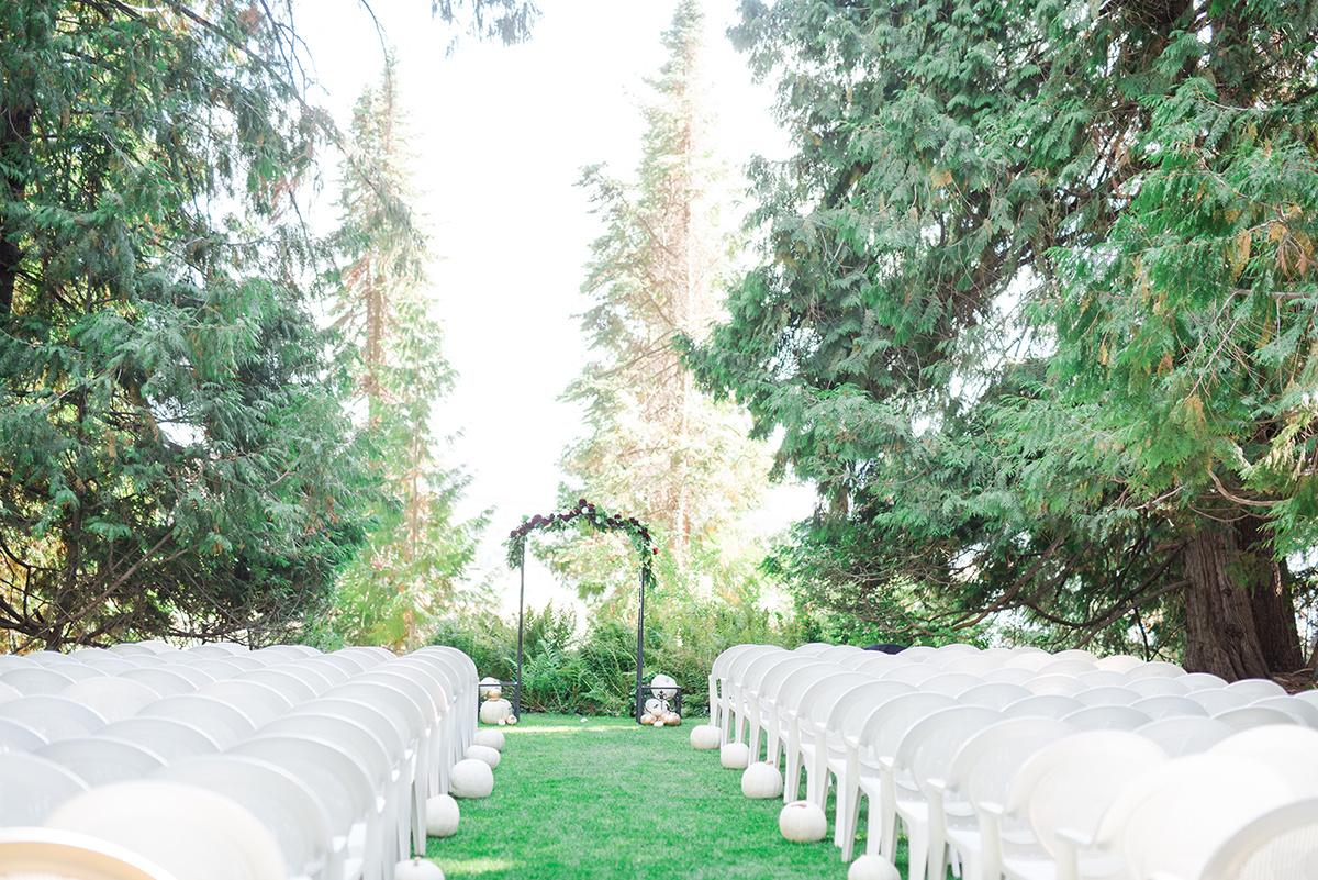 Garden Wedding Ceremony - Classic Washington Garden Wedding - The Overwhelmed Bride Wedding Blog