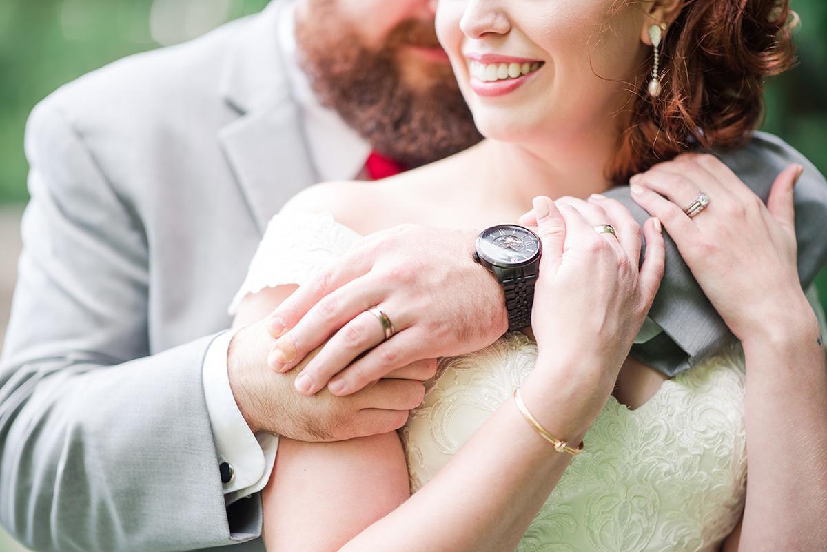 Gorgeous Outdoor Wedding Photos - Classic Washington Garden Wedding - The Overwhelmed Bride Wedding Blog