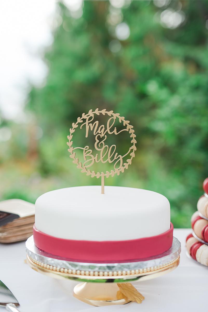Simple Wedding Cakes - Classic Washington Garden Wedding - The Overwhelmed Bride Wedding Blog