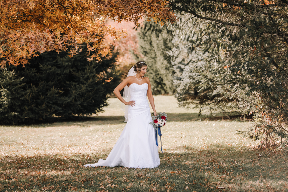 Wedding Inspiration - Pennsylvania Fall Wedding - The Overwhelmed Bride Wedding Blog