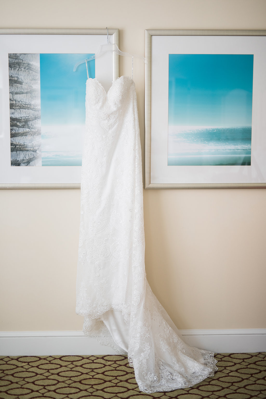 Minimalist Wedding - Tampa Wedding Venue