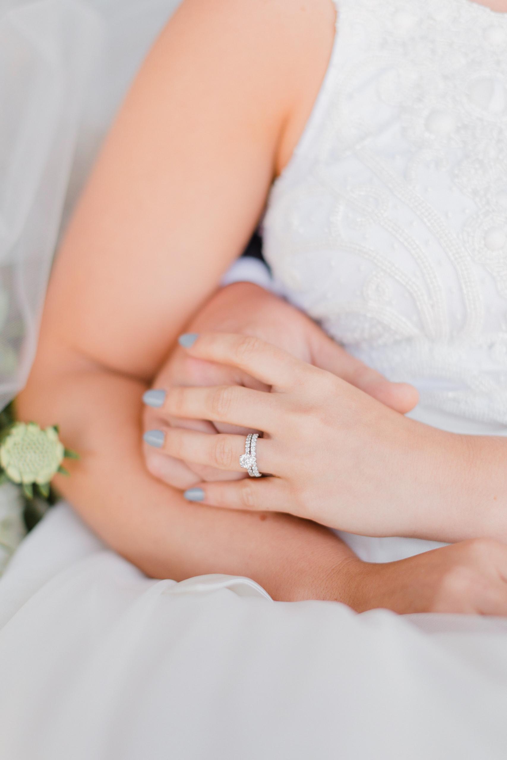 Rustic Wedding Decor - Raspberry Ridge Golf Course Wedding — The Overwhelmed Bride Wedding BlogRustic Wedding Decor - Raspberry Ridge Golf Course Wedding — The Overwhelmed Bride Wedding Blog