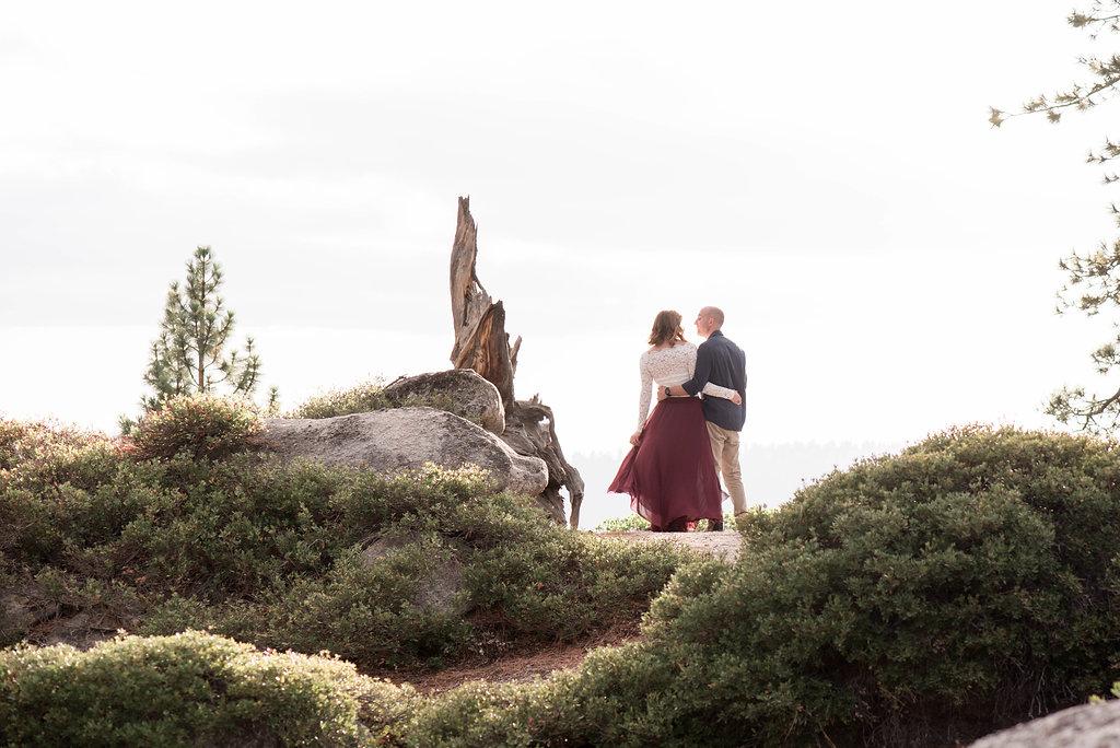 Yosemite Engagement Photos — The Overwhelmed Bride Wedding BlogYosemite Engagement Photos — The Overwhelmed Bride Wedding Blog
