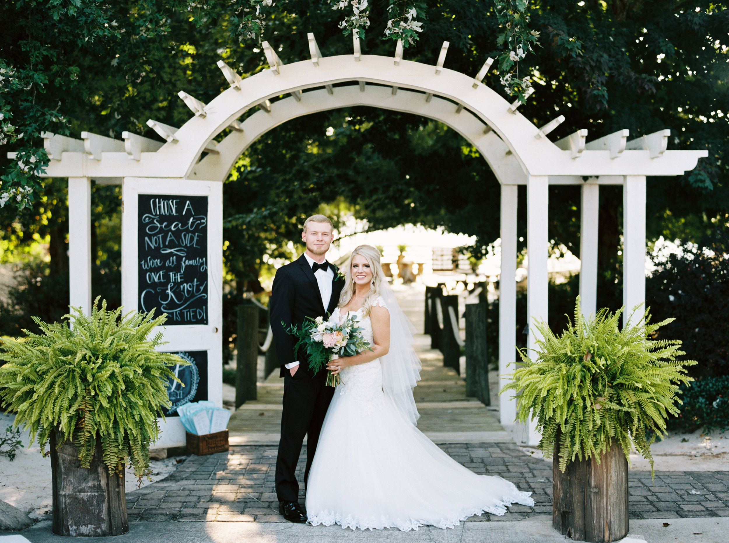 Knoxville Wedding Venue — The Overwhelmed Bride Wedding Blog