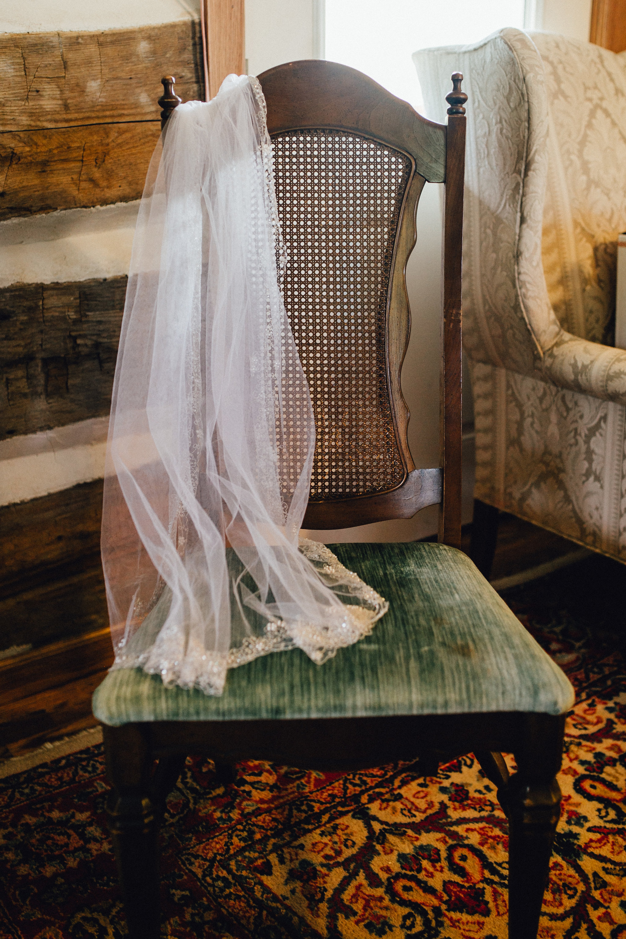 Simplistic Vintage Wedding — The Overwhelmed Bride Wedding Blog