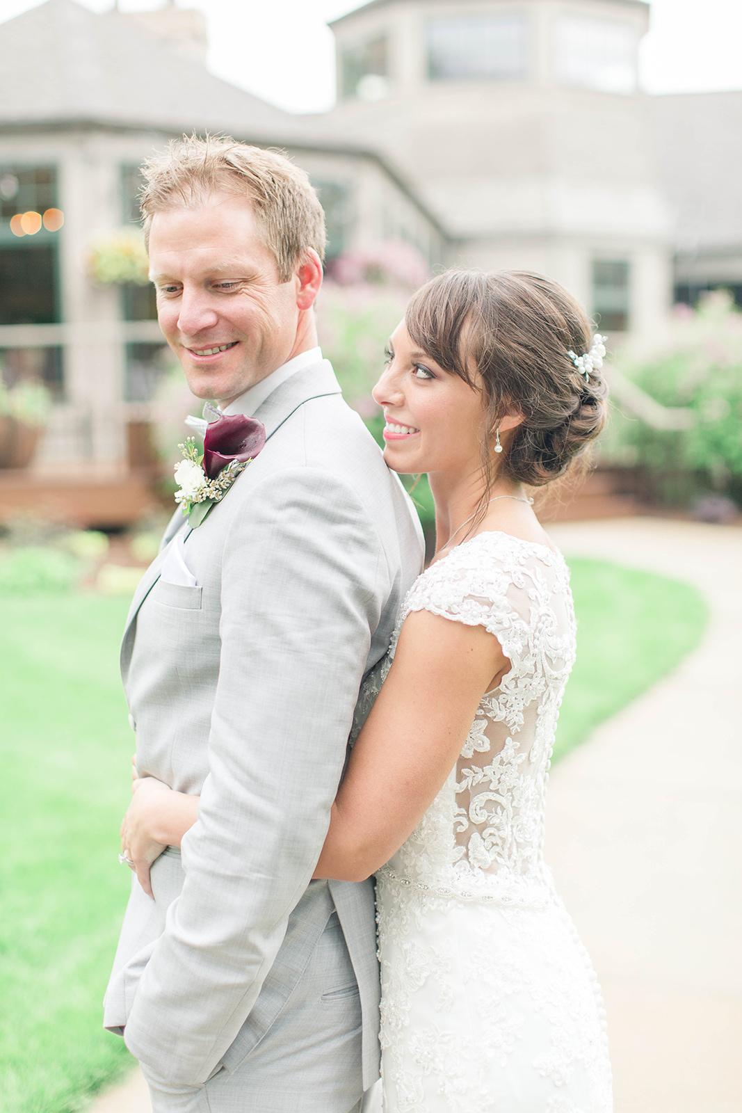 A Romantic Wausau Country Club Wisconsin Wedding - The Overwhelmed Bride Wedding Blog