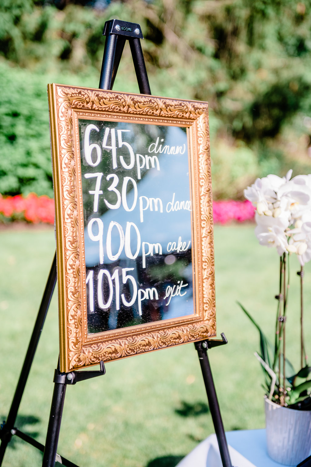 Burton, Ohio Wedding Venue - Welshfield Inn Wedding - The Overwhelmed Bride Wedding Blog