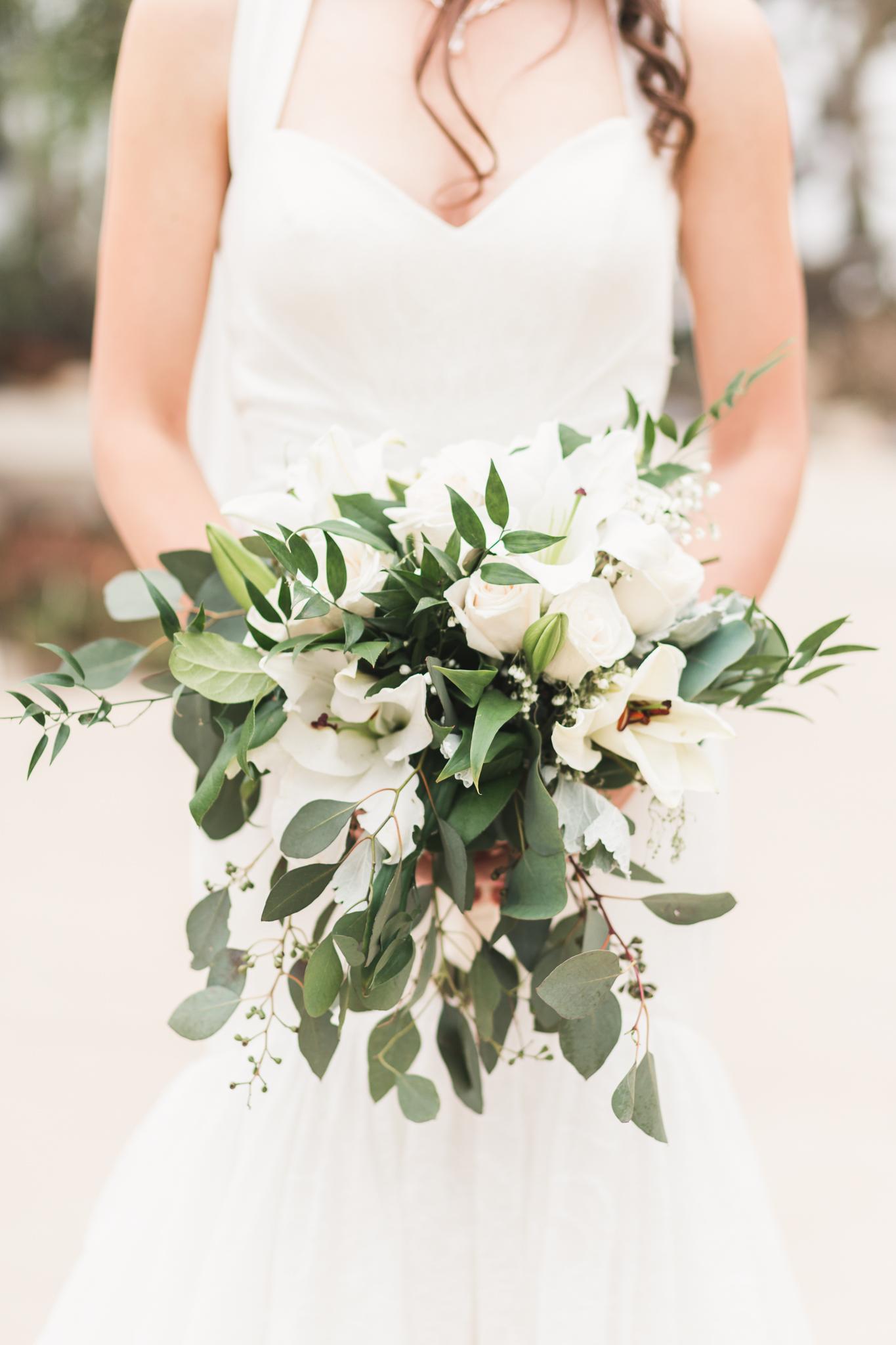 A Rustic DIY Wisconsin Wedding - Heritage Hill State Historical Park Wedding - The Overwhelmed Bride Wedding Blog