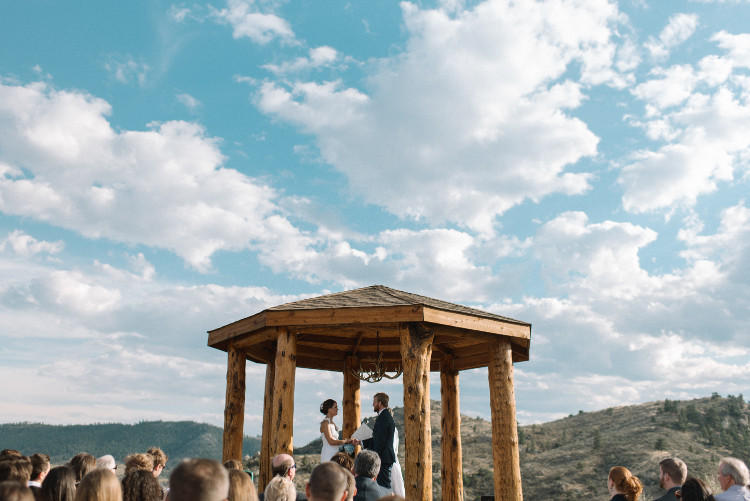 An Eagles Nest Ranch Outdoor Colorado Wedding - The Overwhelmed Bride Wedding Blog