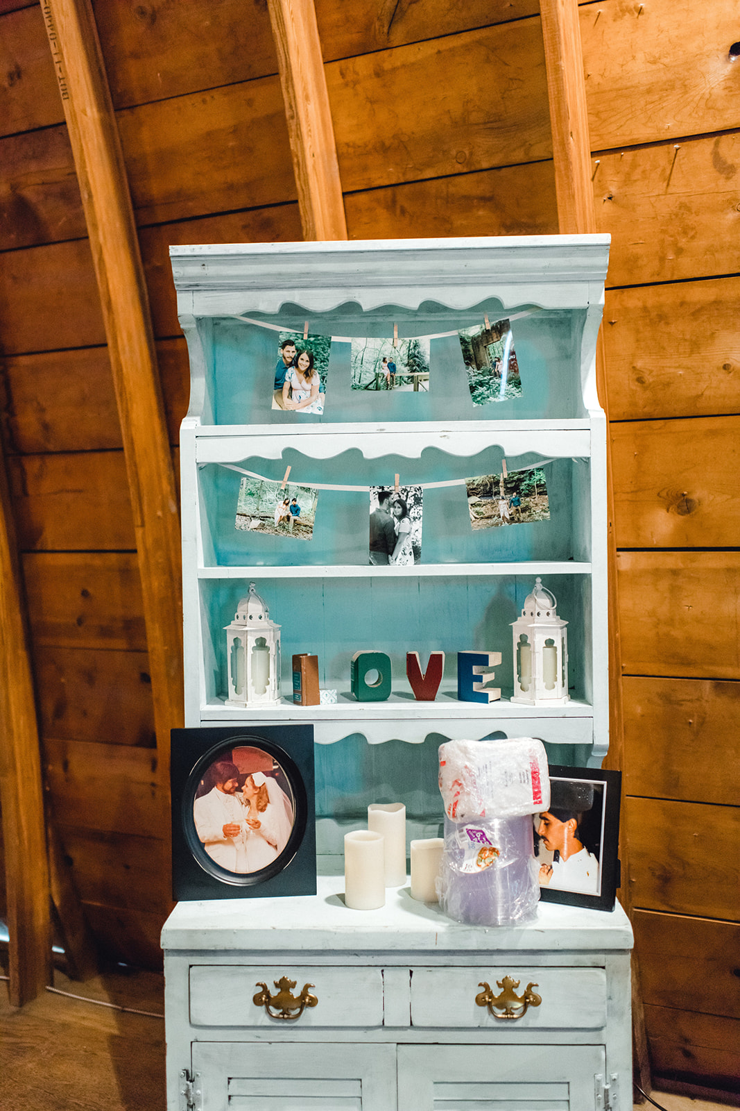 A Colorful Pittsburg Bramblewood Barn Wedding - The Overwhelmed Bride Wedding Blog