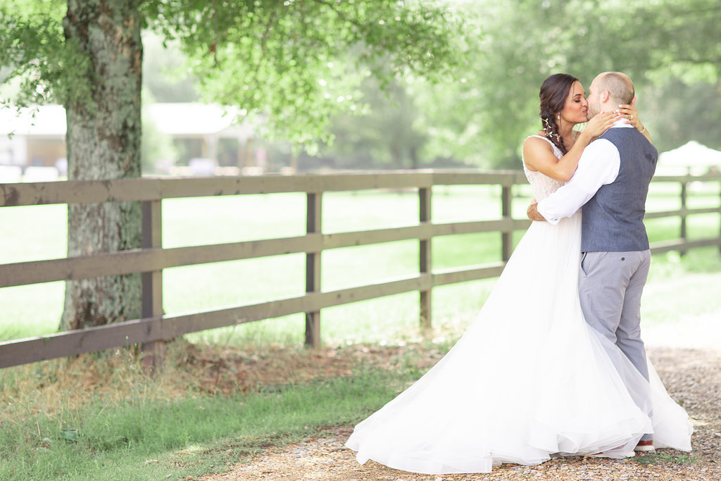 An Intimate Southern Alabama DIY Wedding - The Barn at Twin Valley Wedding - The Overwhelmed Bride Wedding Blog