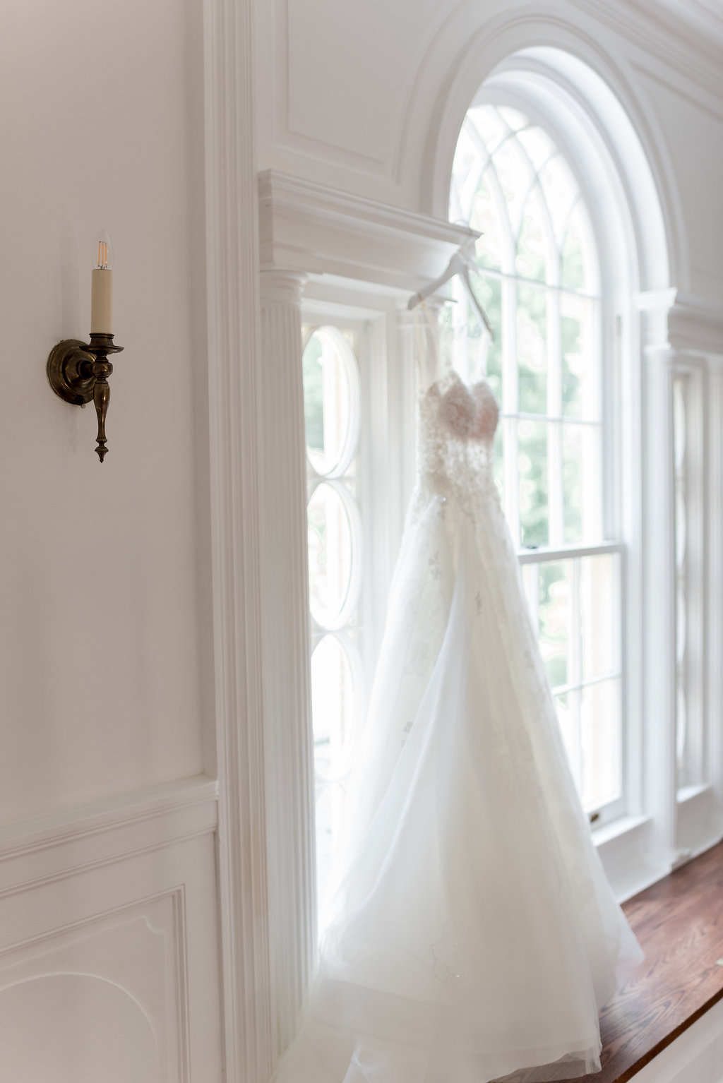 A Classic Rust Manor House Virginia Wedding