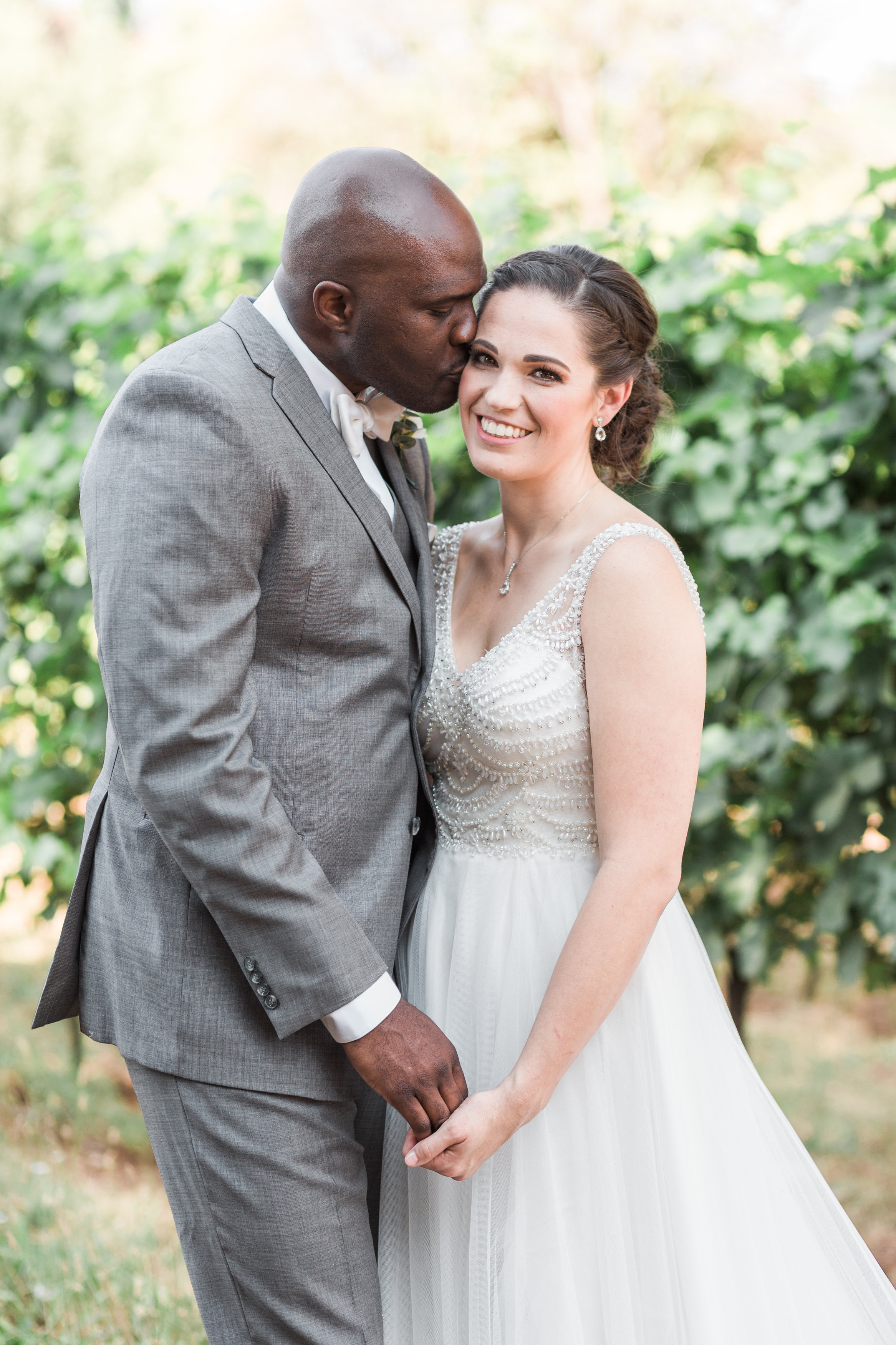 A Red Ridge Farms Dayton Oregon Wedding - The Overwhelmed Bride Wedding Blog