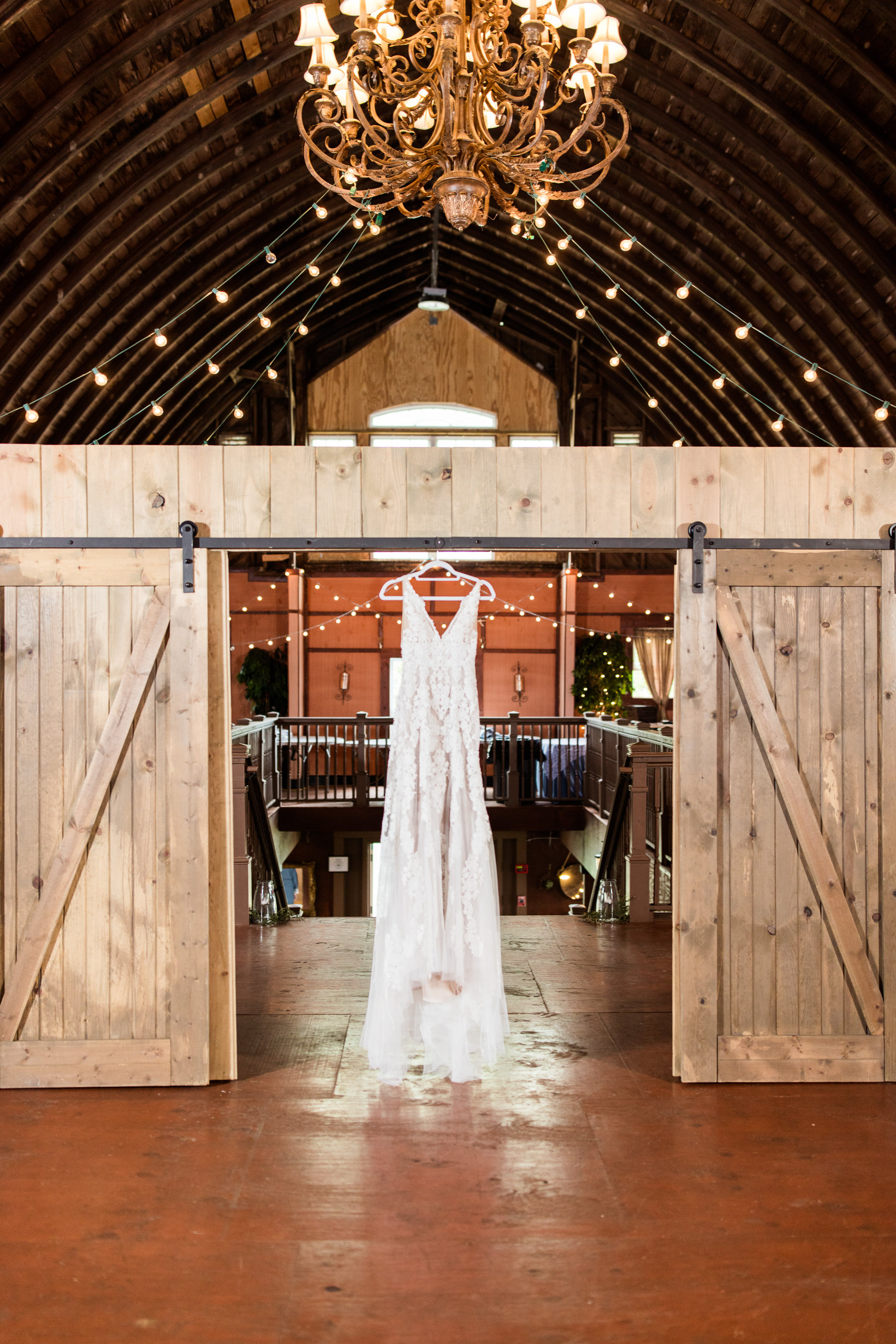 Brandy Hill Farm Virginia Wedding - The Overwhelmed Bride Wedding Inspiration Ideas Blog