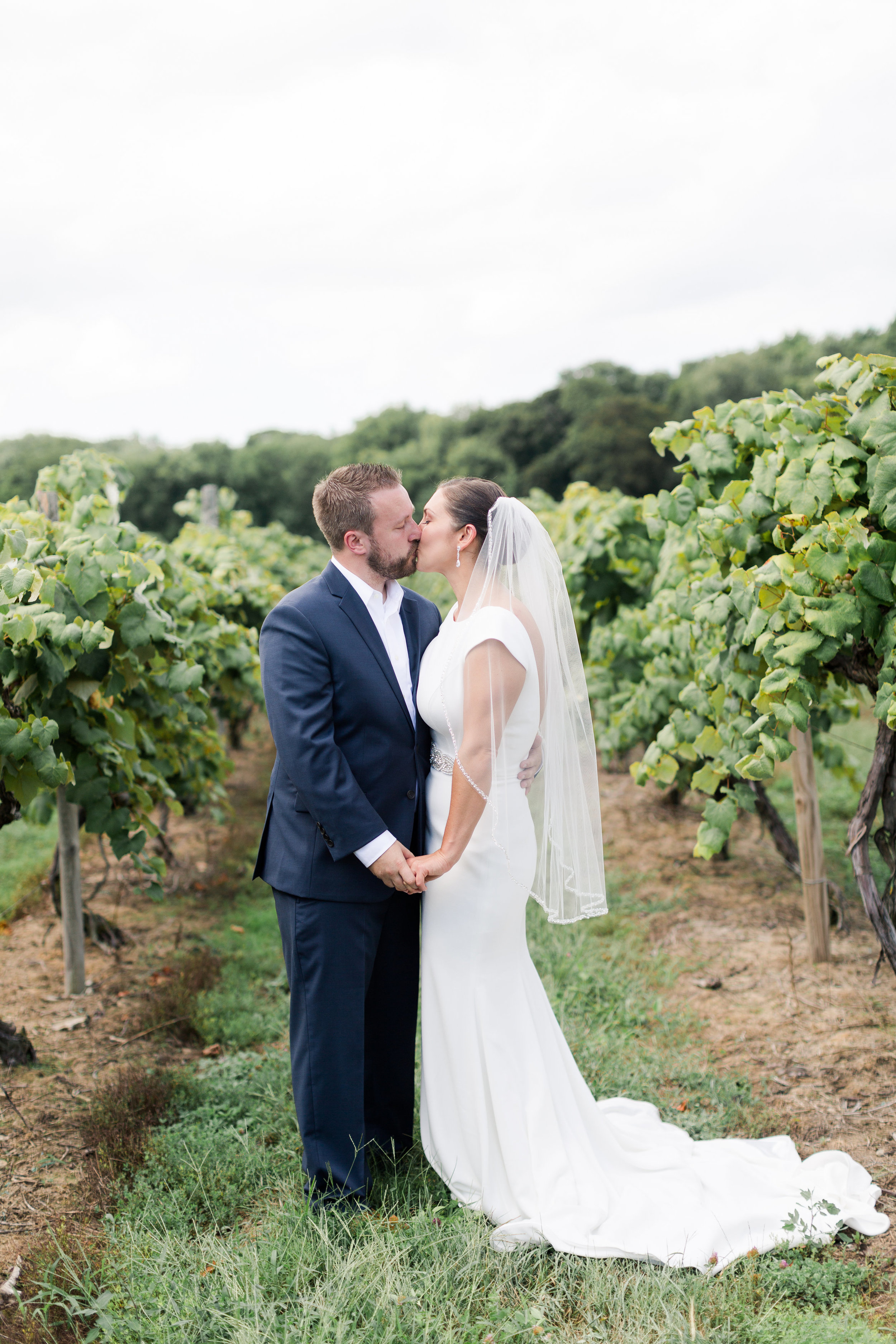 A Classic Put in Bay Winery Ohio Wedding - The Overwhelmed Bride Wedding Ideas Inspiration Blog