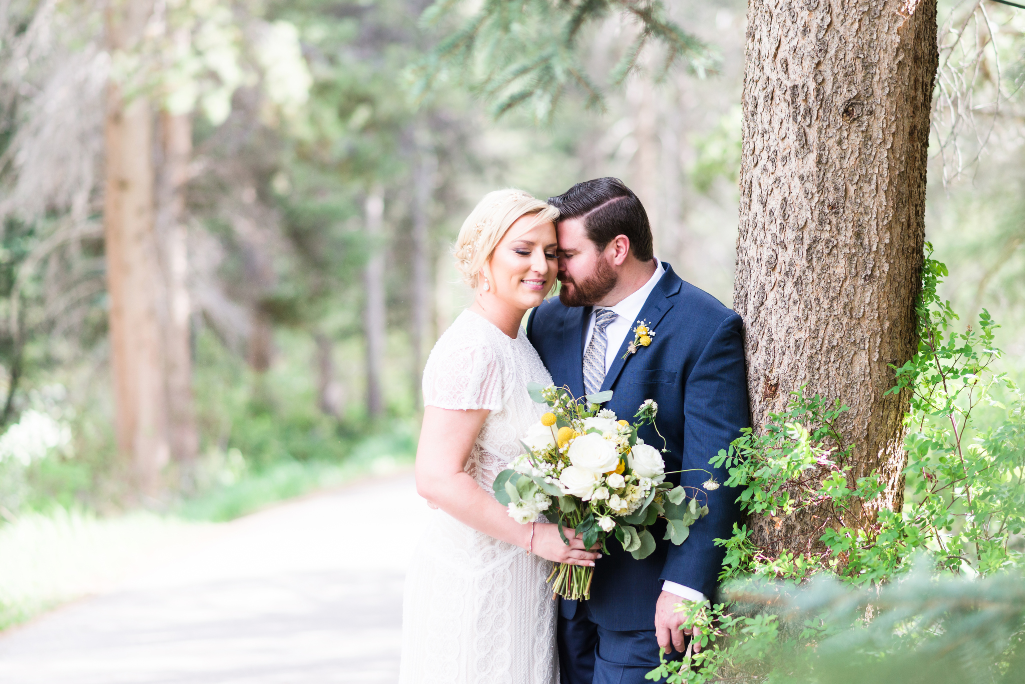 A Rustic Chic Vail Colorado Wedding - The Overwhelmed Bride Wedding Ideas Inspiration Blog