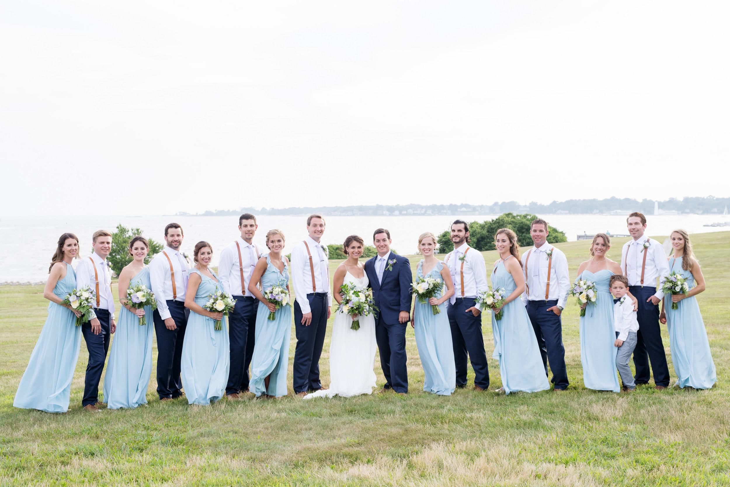 A Brandford House Connecticut Summer Wedding - The Overwhelmed Bride Wedding Ideas Inspiration Blog
