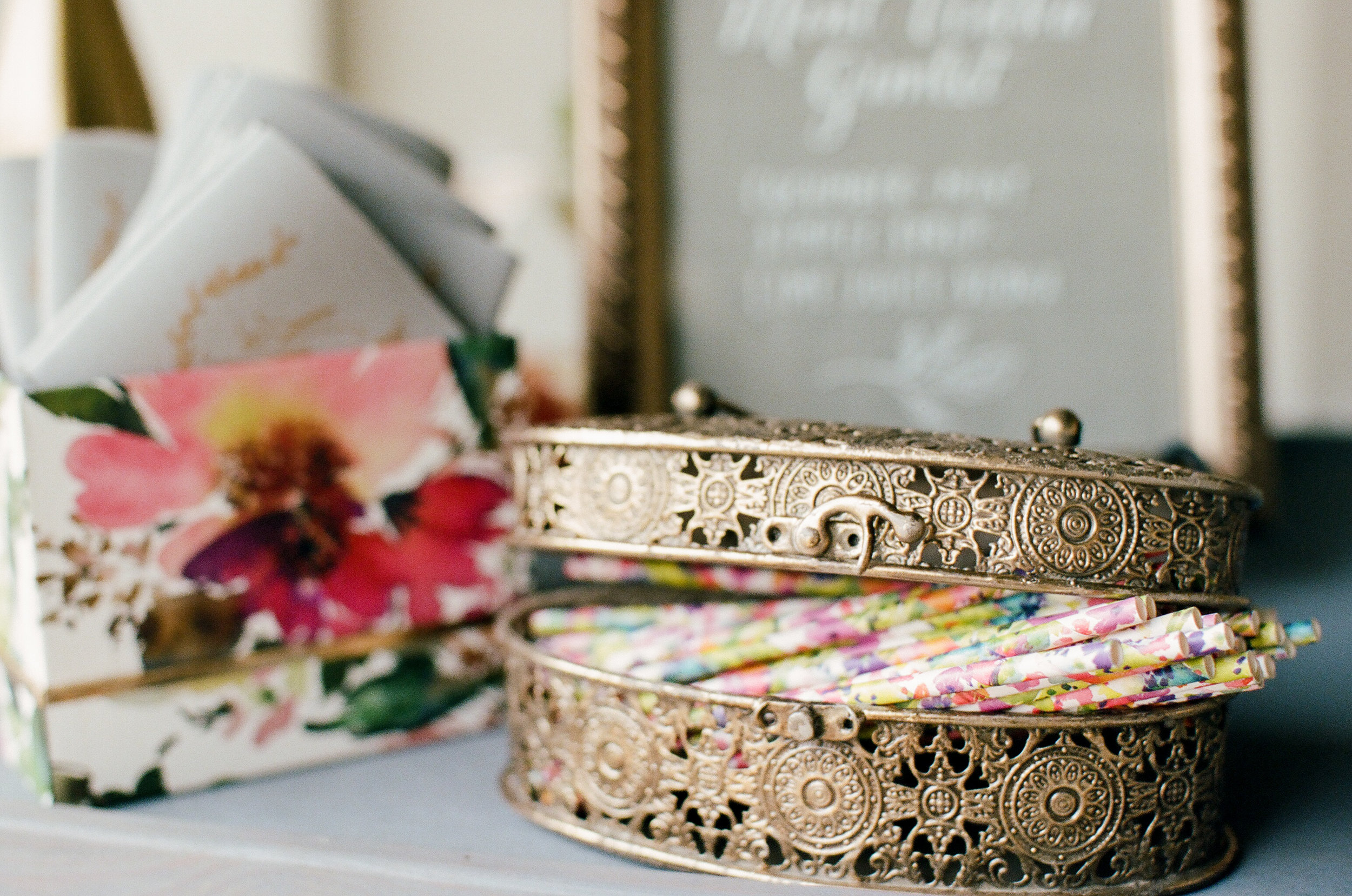 A Vibrant New Orleans Wedding - The Overwhelmed Bride Wedding Inspiration Ideas Blog