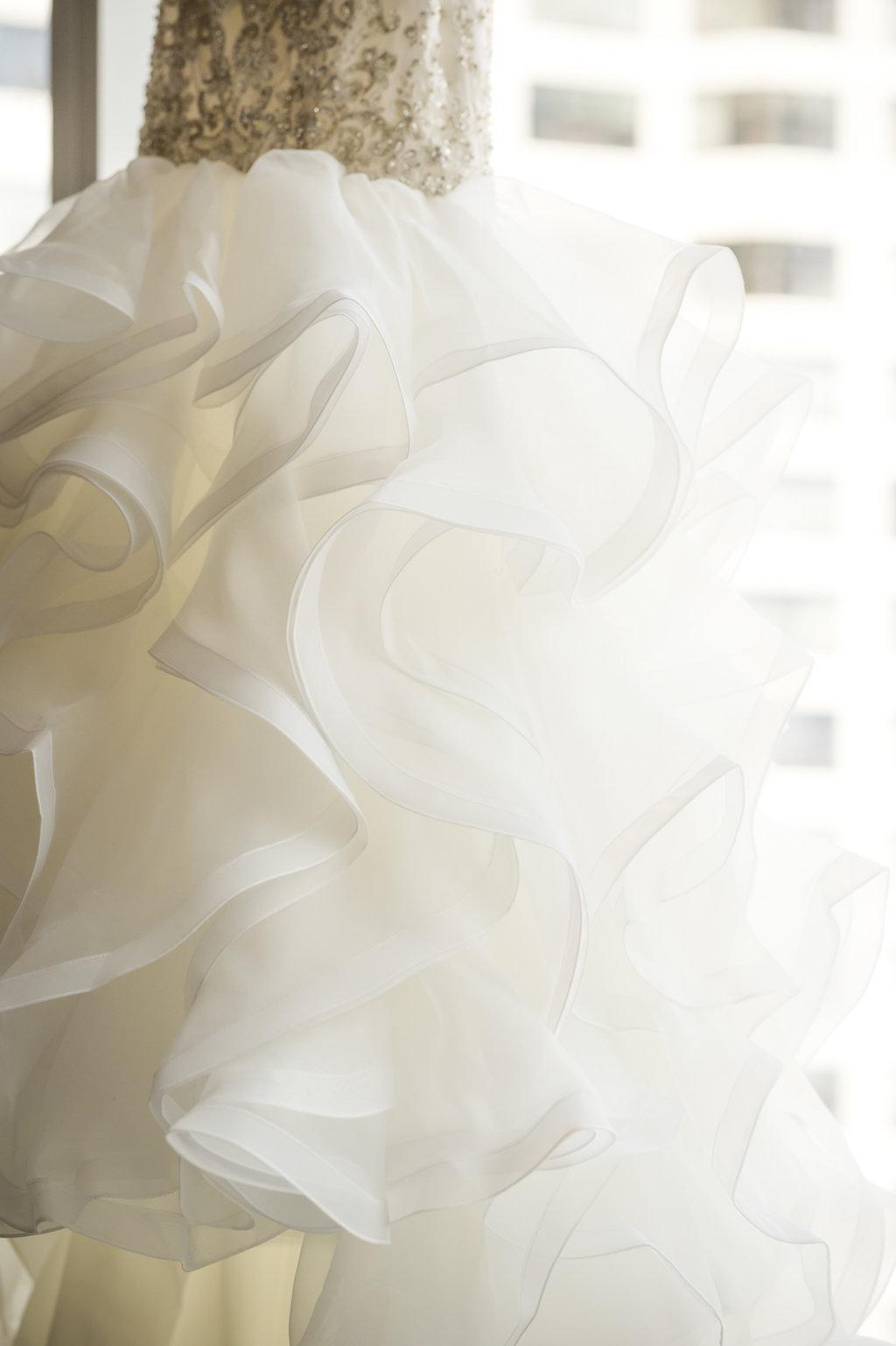 A Timeless Chicago Summer Wedding - The Overwhelmed Bride Wedding Inspiration Ideas Blog