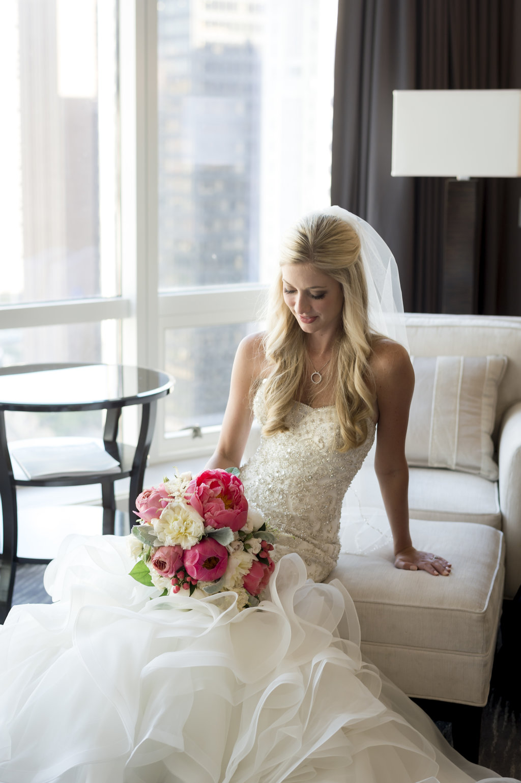 A Timeless Chicago Summer Wedding - The Overwhelmed Bride Wedding Inspiration Ideas Blog