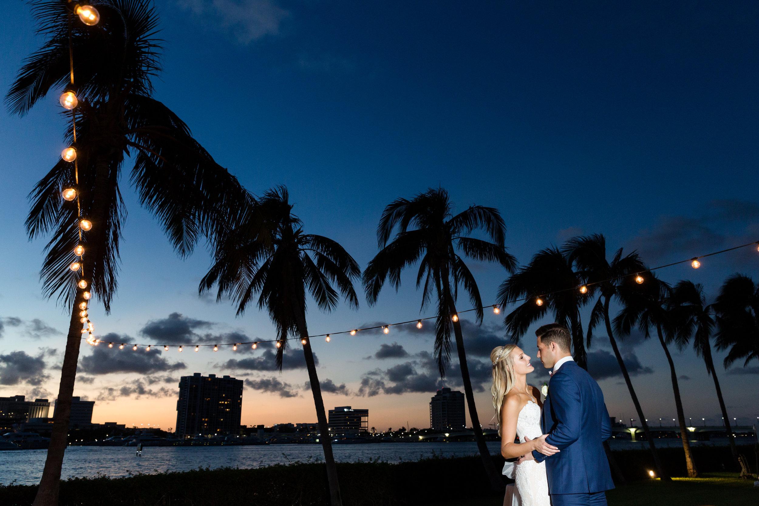 A Henry Morrison Flagler Museum Fall Wedding - The Overwhelmed Bride Wedding Inspiration Blog