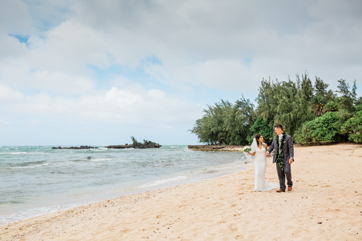 An Intimate Oahu Hawaii Wedding - The Overwhelmed Bride Wedding Ideas Inspiration Wedding Blog