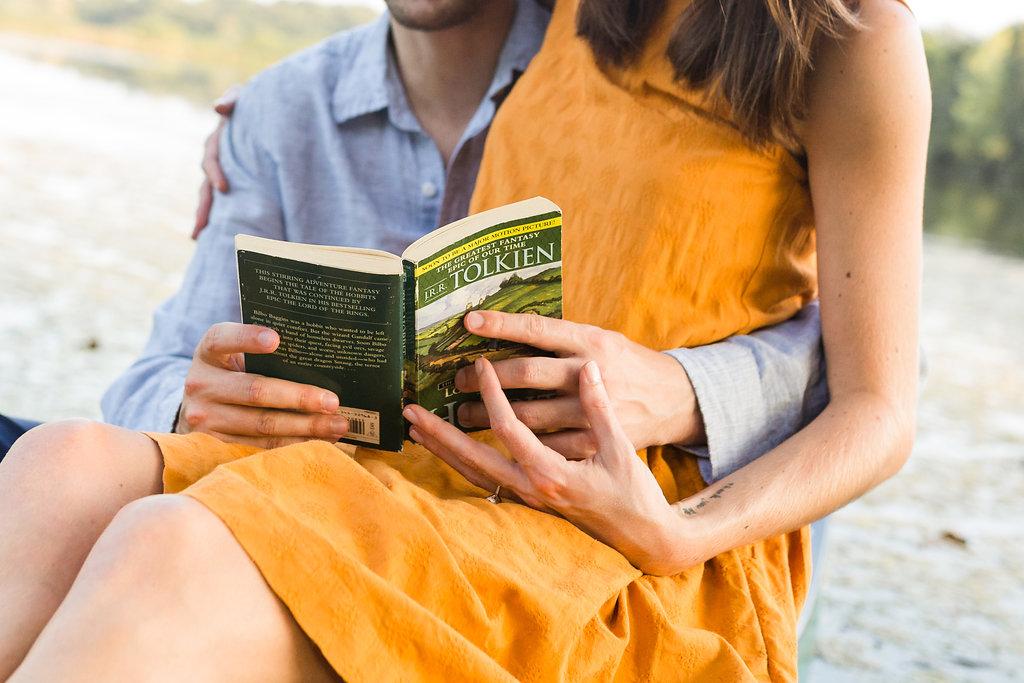 A Lakeside Engagement - The Overwhelmed Bride Wedding Blog
