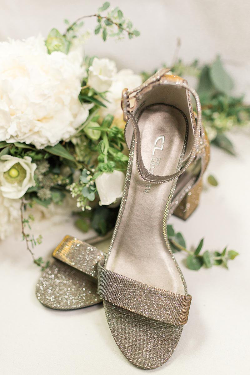 A Winery at Bull Run Wedding - The Overwhelmed Bride Wedding Ideas Blog