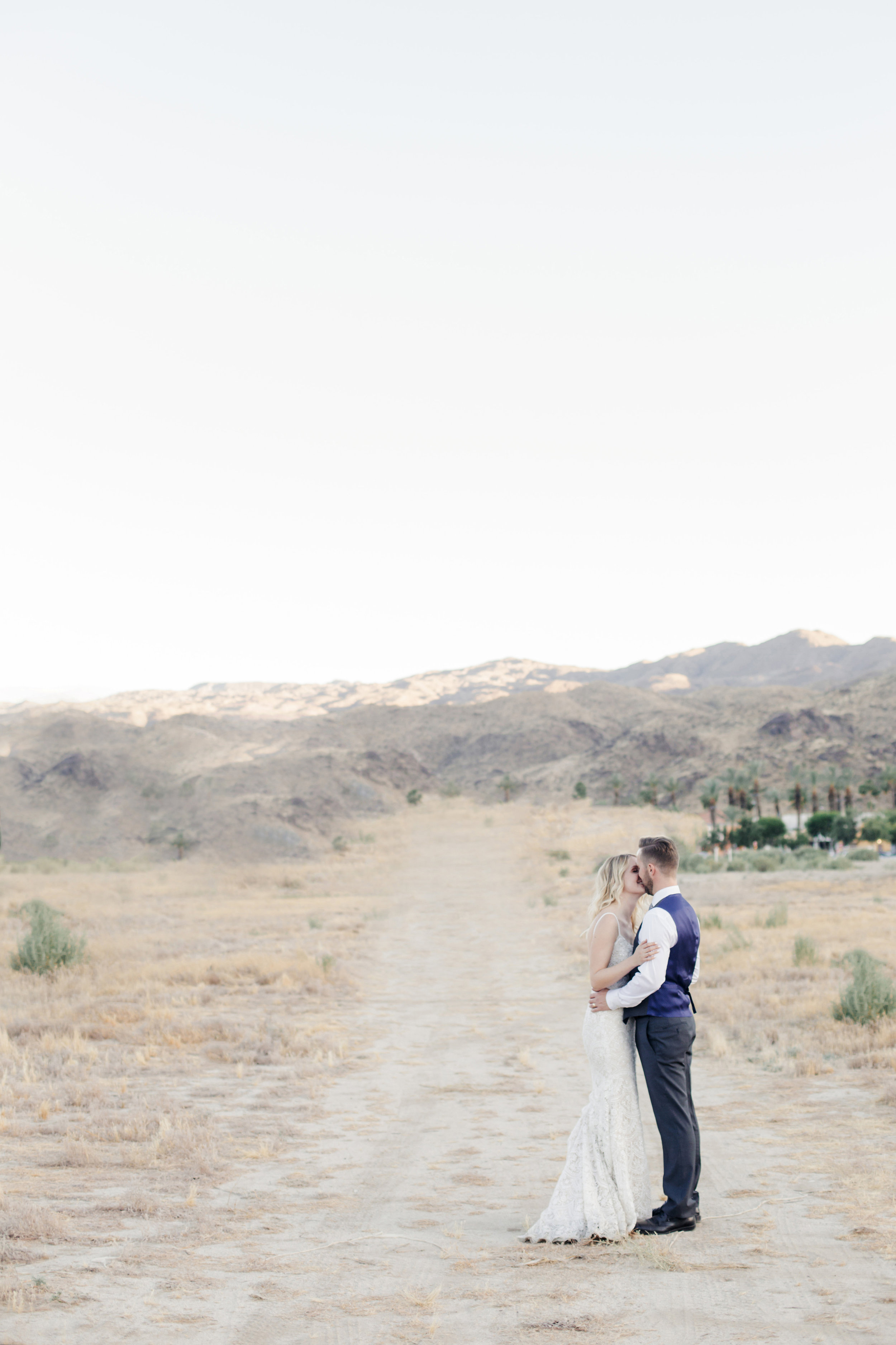 A Cree Estate Palm Springs Wedding - The Overwhelmed Bride Wedding Inspiration Blog