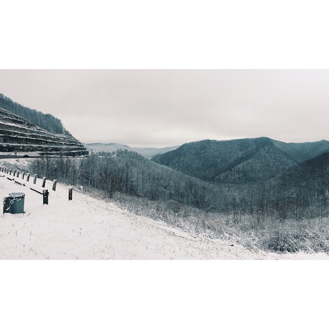 West Virginia snow from the drive back to Nashville yesterday. #Latergram