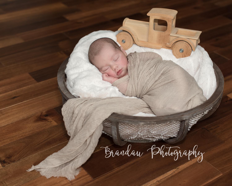 Brandau Photography - Central Iowa Newborn 050816-12.jpg
