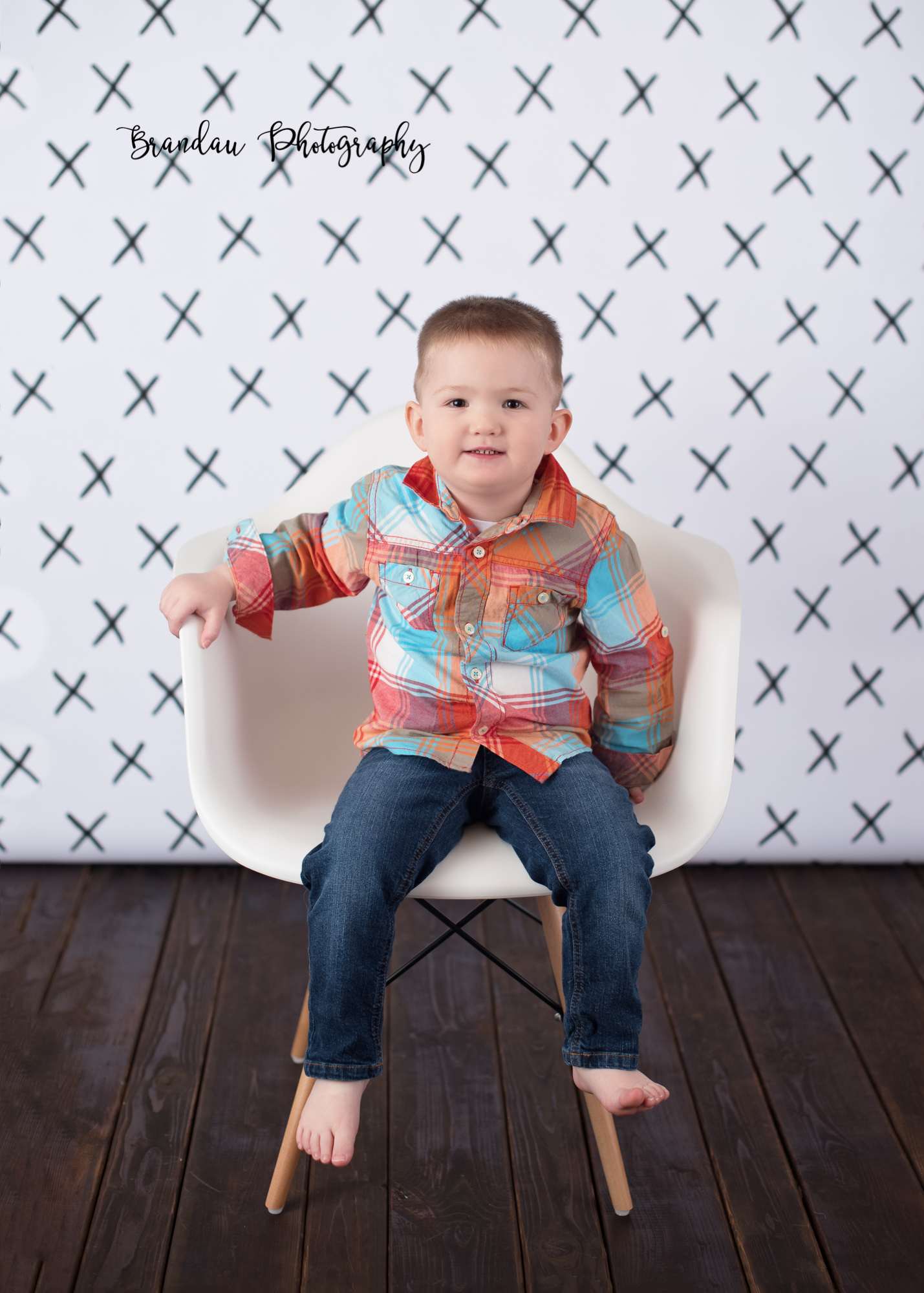 Brandau Photography_ boy girl chair.jpg