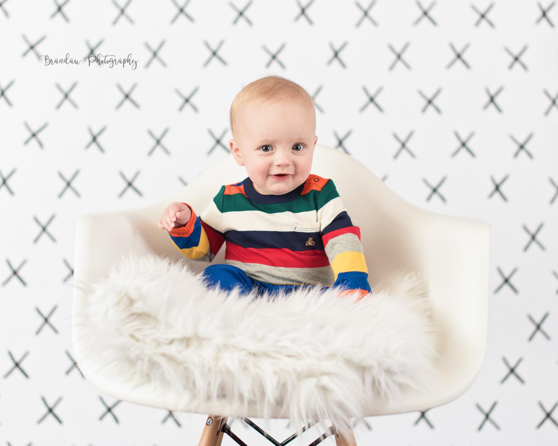 boy coy chair Nevada Iowa_Brandau Photography.jpg