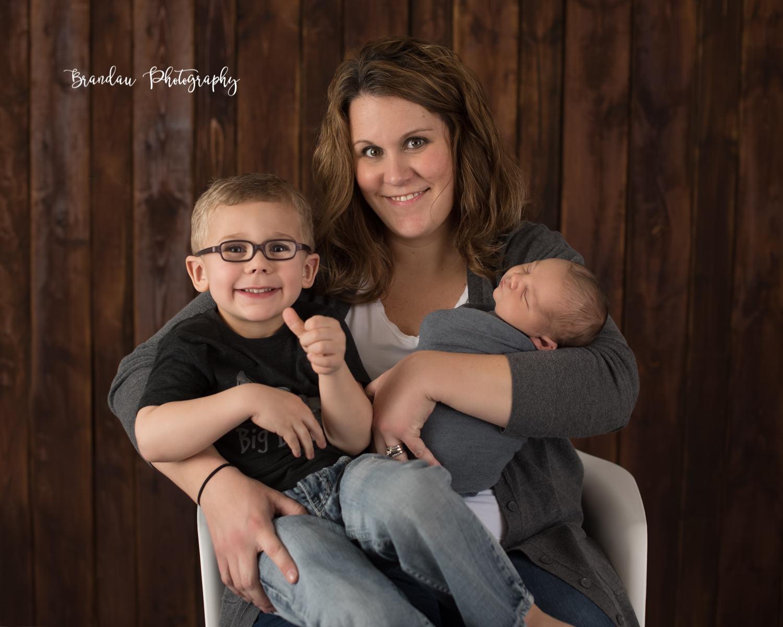 Mom holding brothers_Brandau Photography.jpg