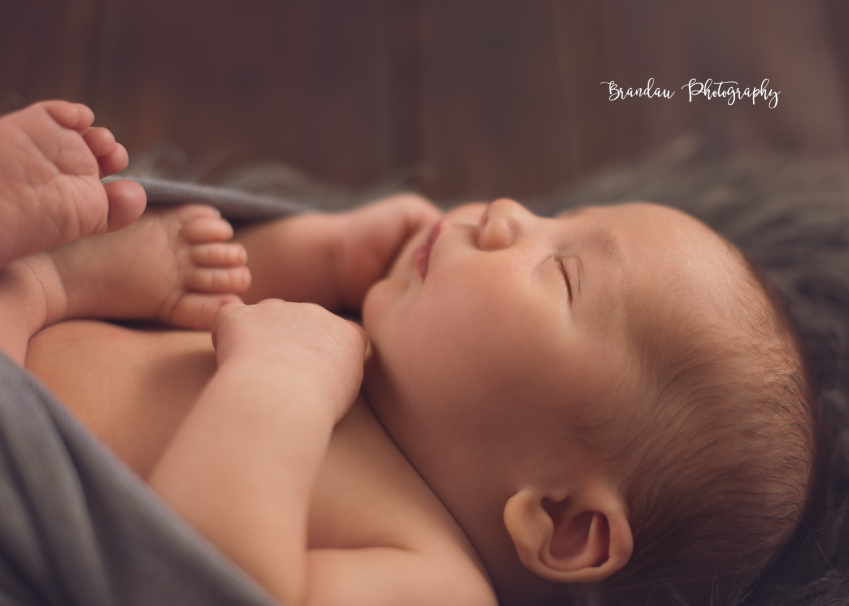 newborn close face_Brandau Photography.jpg