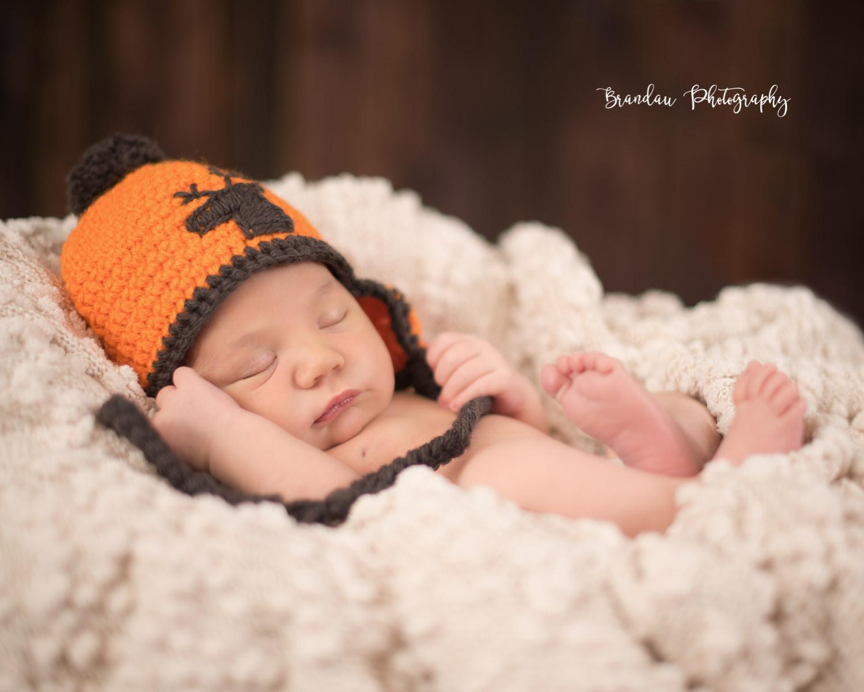 newborn hunting hat_Brandau Photography.jpg
