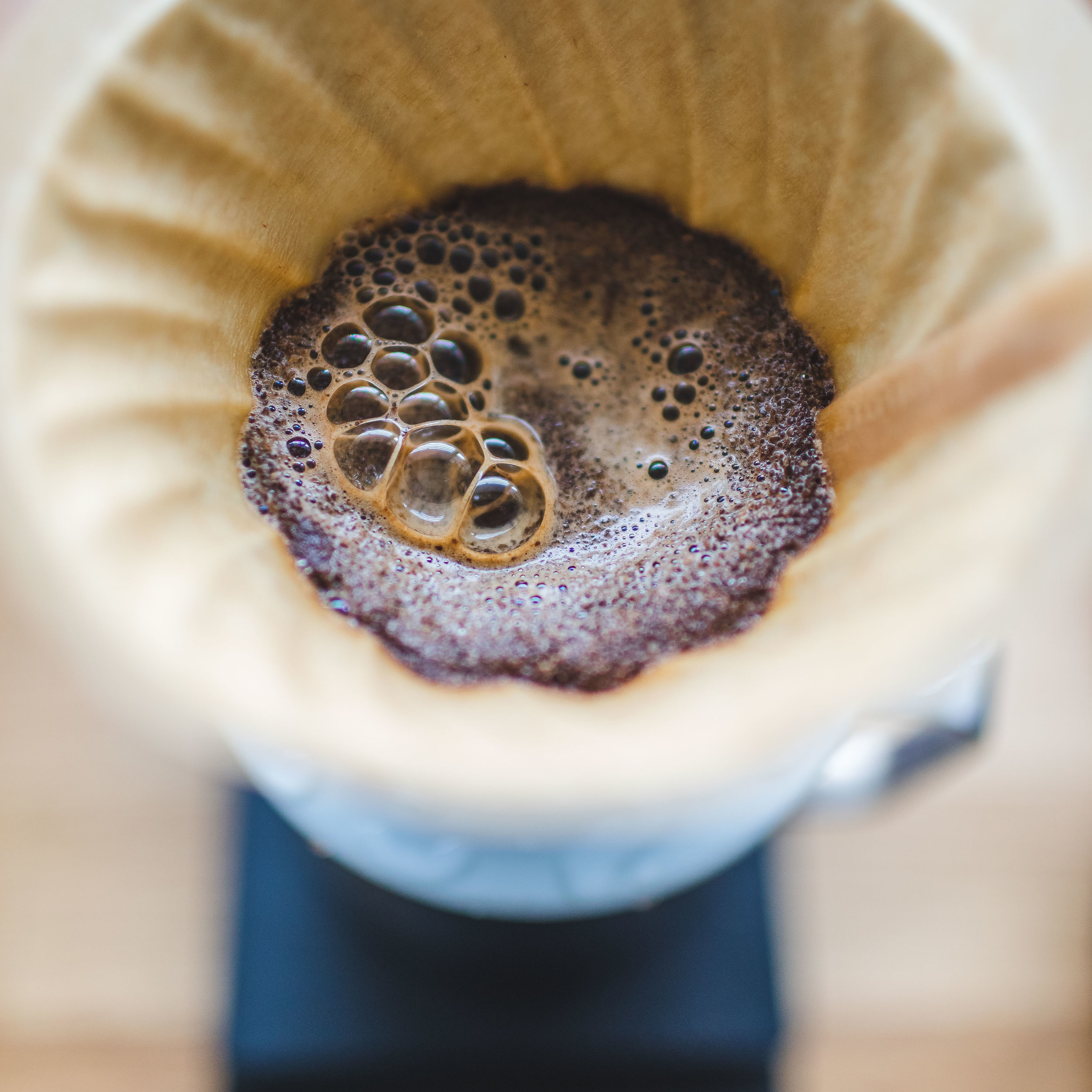 The naturally processed coffee smelled like sweet brown sugar out of the bag and through the bloom.