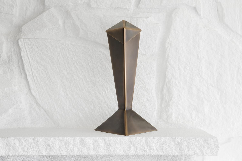 Bronze_Urn_Front.jpg
