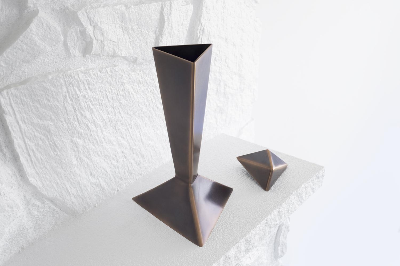 Bronze_Urn_Open_V2.jpg