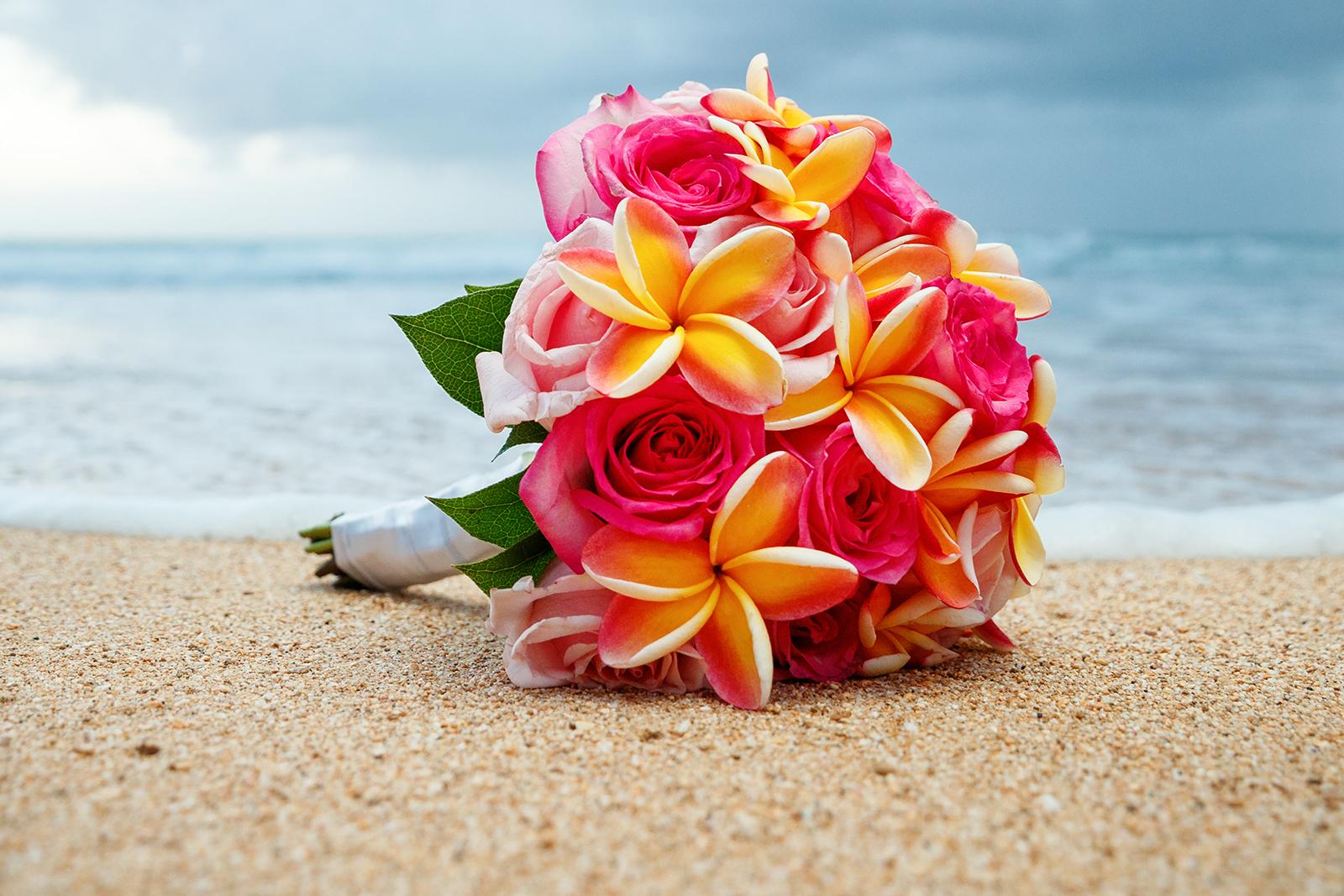 #4 Rose Plumeria Bouquet