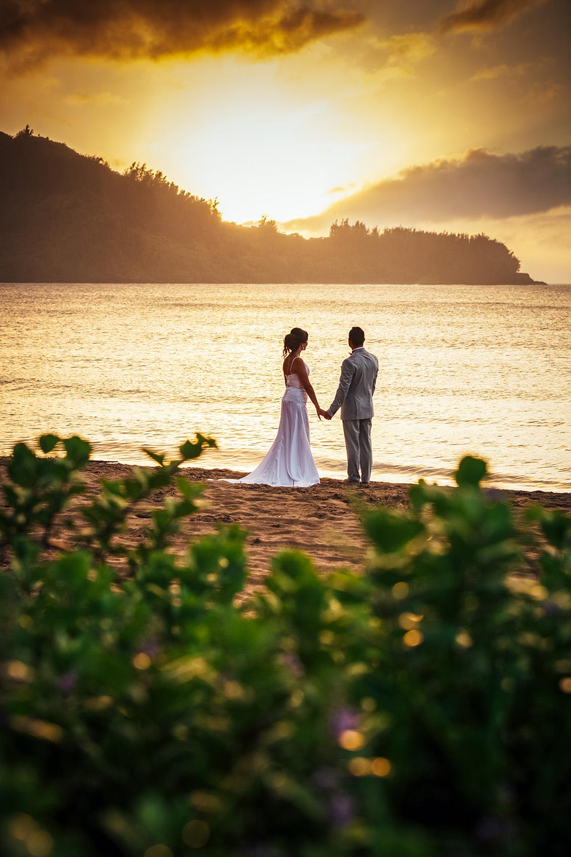 hanalei-sunset-wedding.jpg