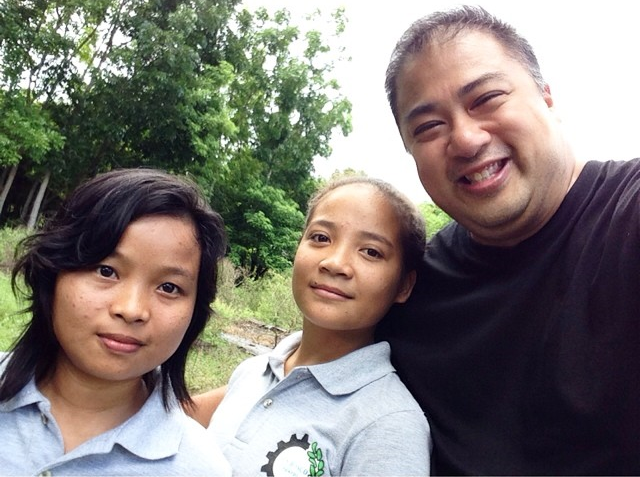 These two ladies are OJT-ing from Don Bosco Legaspi. If you ask me, people like them are the future of agriculture locally. Brains AND hands on training!