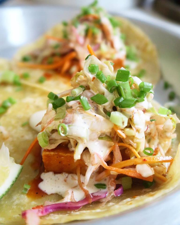 On the opposite, yet equally tasty, end of things: tofu and Asian slaw tacos. Well played,  #TacoVengo  - vegetarians, the doors are open to you too!