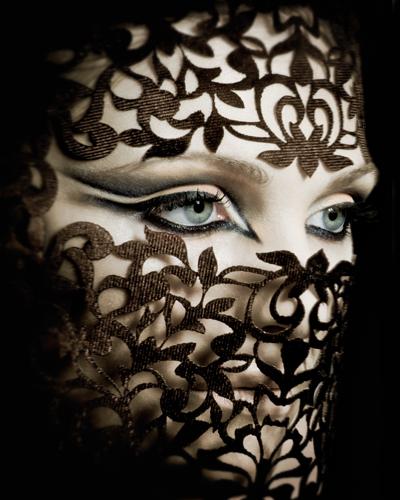 Professional Arabic Makeup Masterclass    Book Now