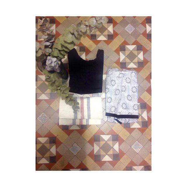 Cositas como estas son las que más han gustado esta mañana!! Y aun queda toda la tarde para que vengas a vernos!! Estamos esperándote hasta las 20:00h! OUTLET ARGOT Y MARGOT, Calle Aragón n 233, segundo piso  #summer #bcn #mecadito #outlet #popup #barcelona #verano #vestidos #complementos #camisetas #argoymargot